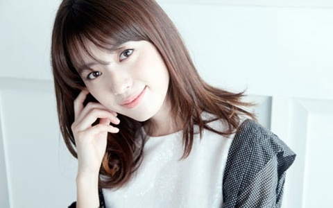han-hyo-joo-dresses-differently-in-japan-than-she-does-in-korea_image