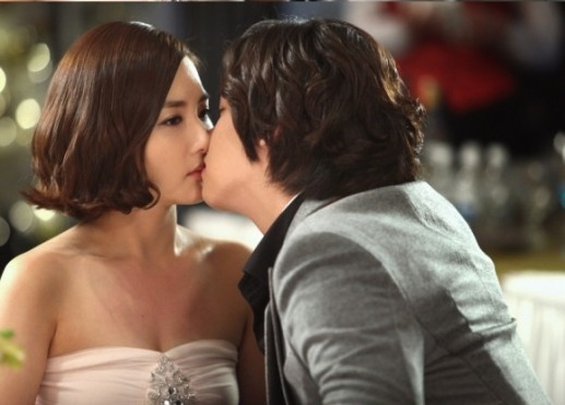 Lee Jang Woo Explains Why His Kiss Scene with Park Min Young Got R-Rating
