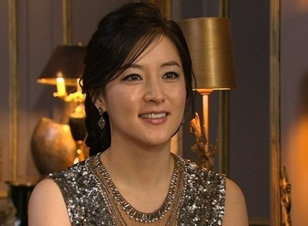 dae-jang-geum-star-lee-young-ae-becomes-a-mother-of-twins_image