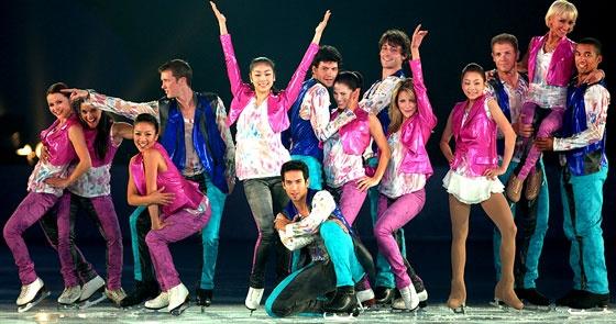 watch-yuna-kim-michelle-kwan-and-younha-perform-at-2010-all-that-skate-la_image