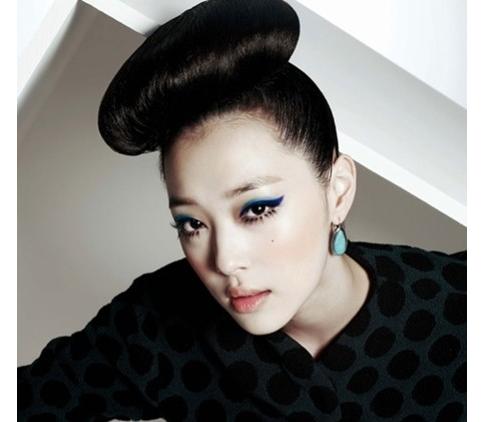 fxs-sulli-is-a-fashion-icon_image