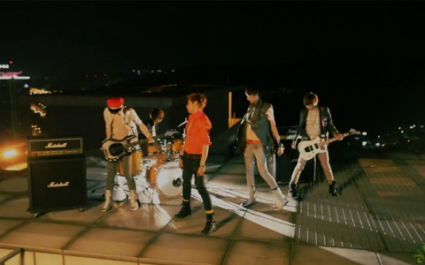 "LEDApple releases MV for ""How Dare You"""