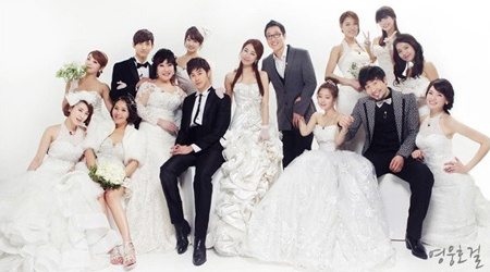 iu-yoo-in-na-seo-in-young-ji-yeon-who-do-you-think-looks-best-with-dbsk_image