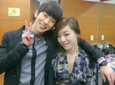 ga-in-leaves-kiss-mark-on-jo-kwons-neck_image