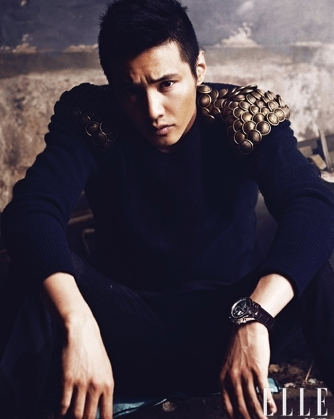 won-bin-caught-with-a-date-at-the-club_image