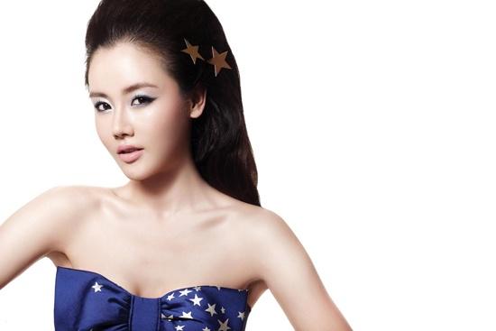 hwang-woo-seul-hye-transforms-into-wonder-woman_image