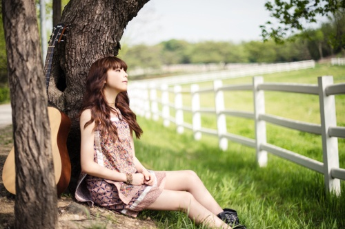 rookie-singer-juniel-releases-music-video-for-fool-featuring-cn-blues-jung-yong-hwa_image