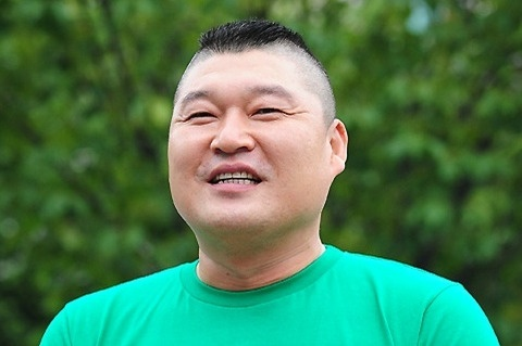 "Kang Ho Dong Watched Last Episode of ""1 Night 2 Days"" in Private"