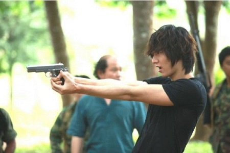 "Lee Min Ho Transforms into a Badass with Guns for ""City Hunter"""