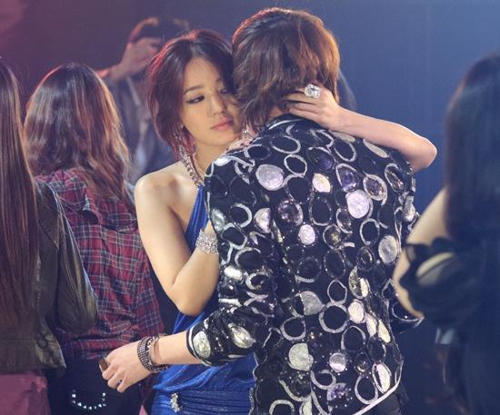 2pm-yoon-eun-hye-tik-tok-mv-revealed_image
