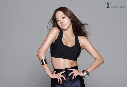 jeon-hyebin-behind-the-scenes-photos-of-in-style-photo-shoot_image