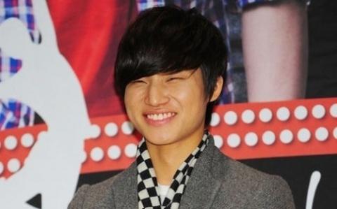 Big Bang's Daesung Gets New Hairstyle