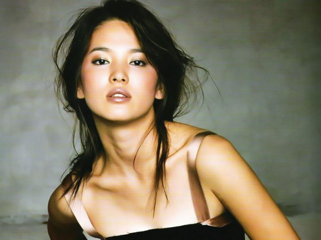 "Song Hye Gyo Ranked Fifth in ""100 Most Beautiful Faces"""
