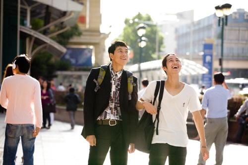 behindthescenes-photos-of-jung-woo-sung-and-kim-bum-from-upcoming-drama-padampadam_image