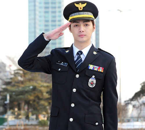 T-Max's Kim Joon to Enlist in the Army This Month
