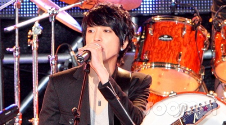 cnblue-taking-their-first-step-with-500-fans_image