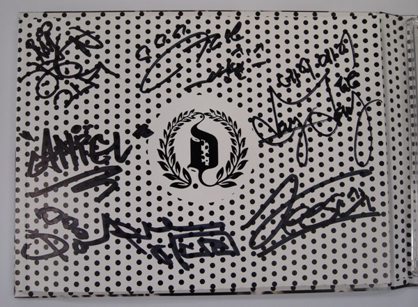 exclusive-dalmatian-mini-album-with-signatures-contest_image