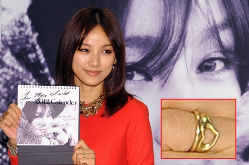 lee-hyori-seen-wearing-a-couple-ring_image