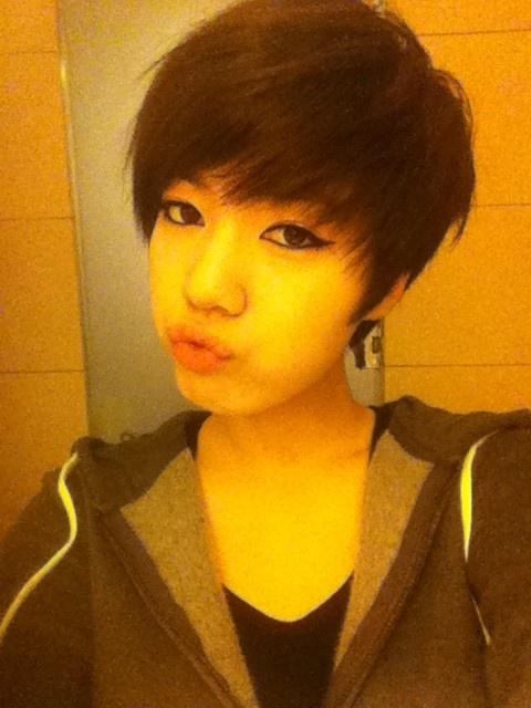 taras-hwayoung-and-sistars-dasom-take-no-makeup-selca-picture_image