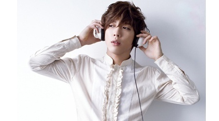 C.N Blue's Jung Yong Hwa Diagnosed With Vocal Cord Nodules