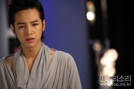 even-jang-geun-suk-cant-avoid-dark-circles_image