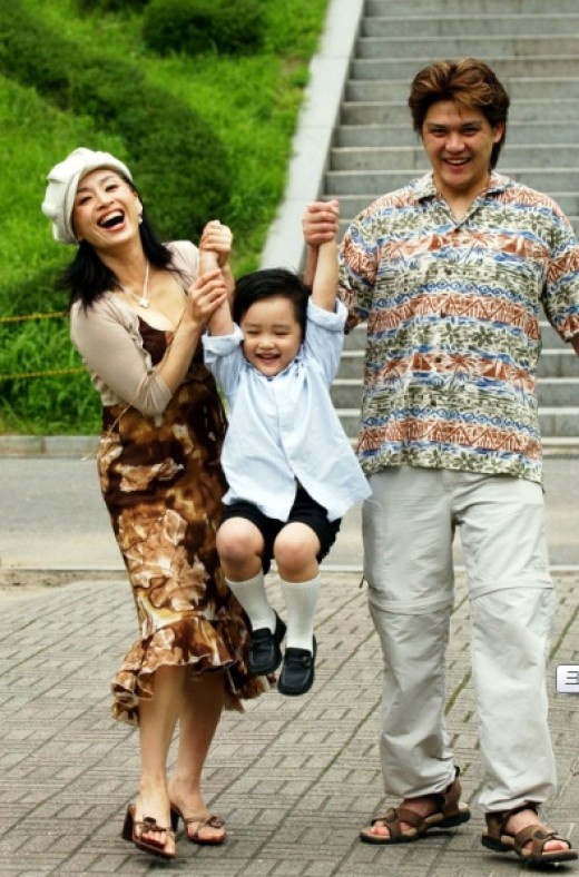 park-hae-mi-introduces-her-son-and-talks-about-her-past-family-hardships_image