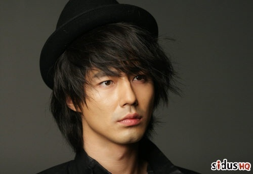 jo-in-sung-caught-on-camera-with-a-20something-girl-in-bikini_image
