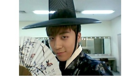 funny-new-years-greeting-from-big-bangs-seungri-1_image