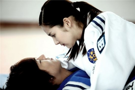 will-lee-min-ho-and-park-min-young-win-best-couple-at-sbs-drama-awards_image