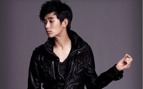 interview-kim-soo-hyun-discusses-collaboration-with-suzy-and-han-ga-in_image