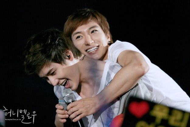 super-junior-lee-teuk-and-kyu-hyuns-tweet_image