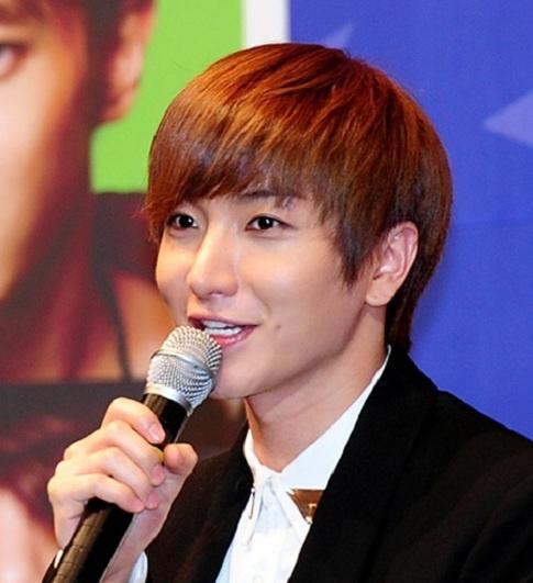 Super Junior's Leeteuk Reveals He's Workaholic