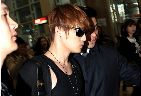 jyjs-jaejoong-receiving-iv-treatments-for-exhaustion_image