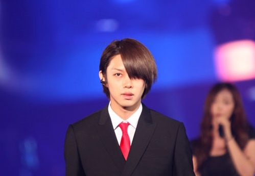 super-juniors-heechul-spotted-with-lee-teuk_image