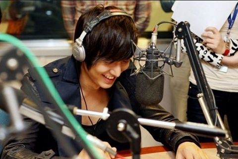 fans-worldwide-show-love-for-lee-min-ho-with-caricatures_image