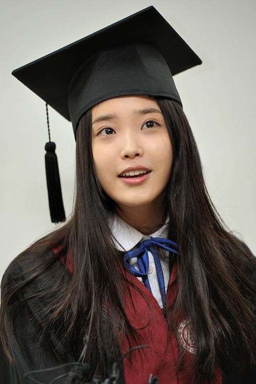 iu-graduates-from-high-school_image