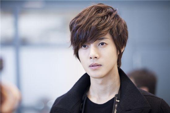 kim-hyun-joong-to-skip-taiwan-promotions-for-playful-kiss_image