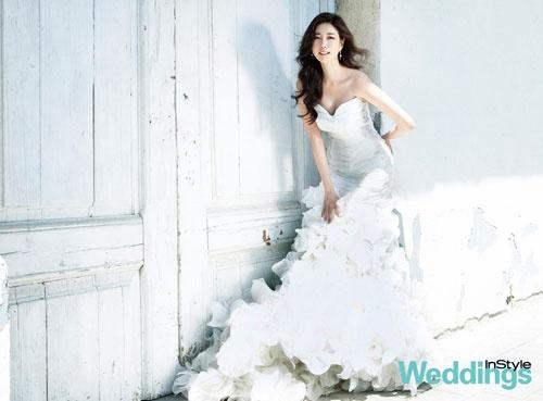 Kim Sarang's Gorgeous Wedding Photoshoot in Spain!