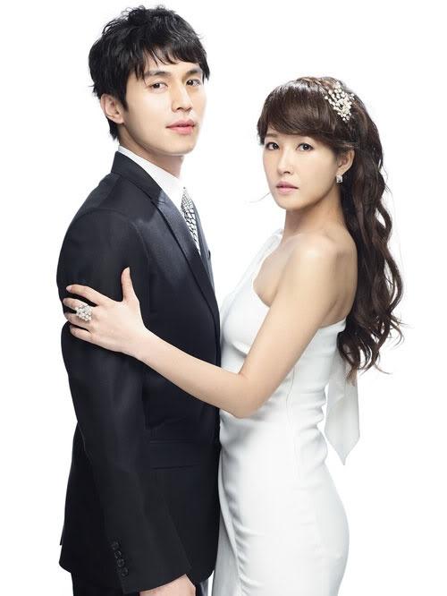 kim-sun-ah-posts-a-photo-with-lee-dong-wook-on-jeju-island_image