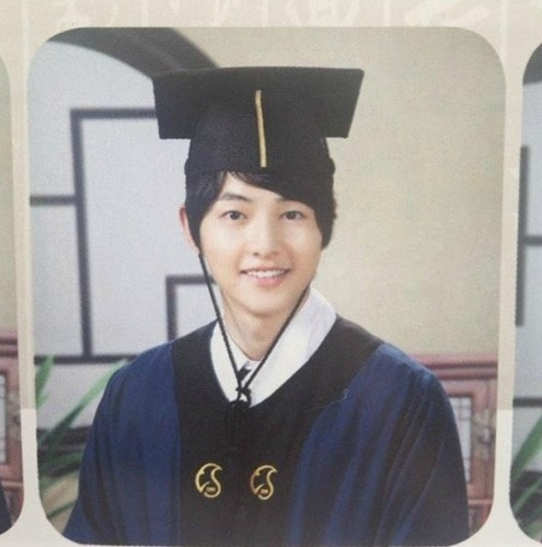 song-joong-kis-college-graduation-photo-revealed_image