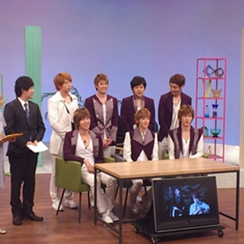 U-KISS signs with Avex for Japanese debut