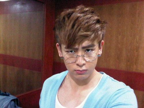 2pms-nichkhun-wants-block-bs-zico-to-learn-from-his-mistake_image
