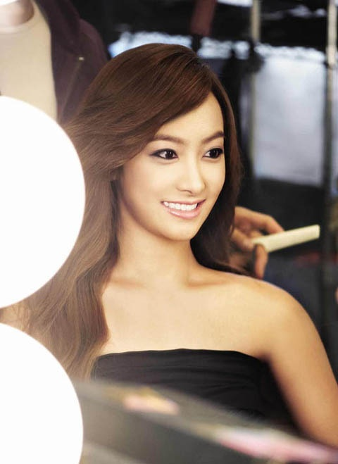 fx-victoria-looking-like-a-model_image