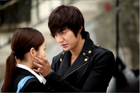 city-hunter-teases-with-couple-shots-romantic-developments-underway_image