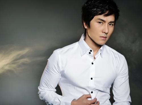 kim-dong-wan-talks-about-shinhwa-company_image