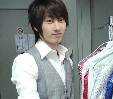 super-junior-member-eunhyuk-diagnosed-with-h1n1_image
