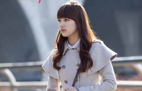 miss-as-suzy-criticized-for-her-seethrough-fashion_image