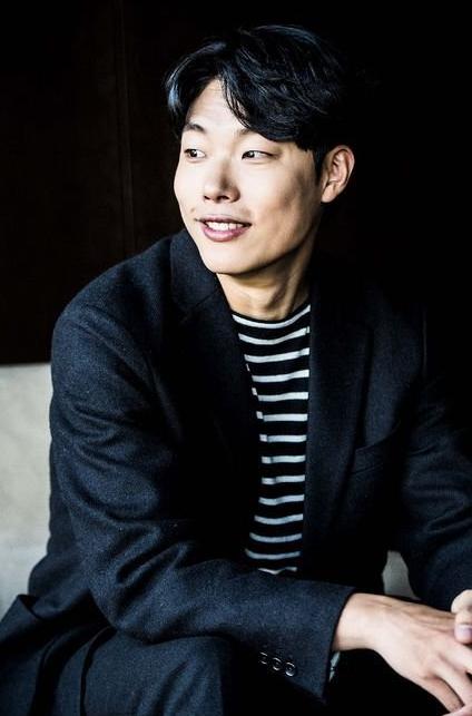 """Ryu Jun Yeol a été honoré de se retrouver face à Bobby (iKON) pour l'épisode spécial de """"Meet My Ugly Friend"""""""