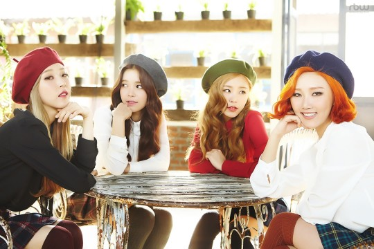 MAMAMOO devient le troisième groupe féminin avec le plus de membres dans son fancafé