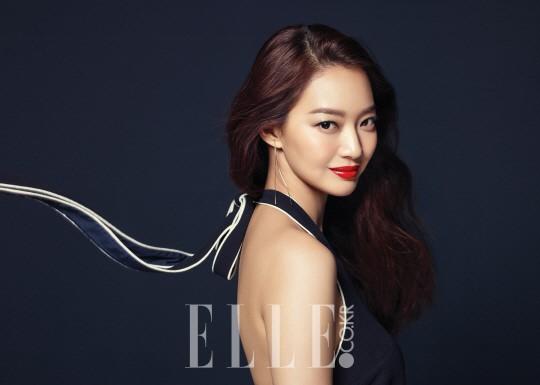 Shin Min Ah est captivante pour le magazine ELLE